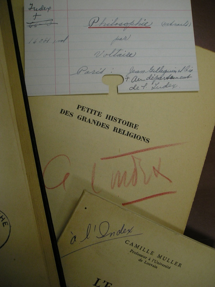 Some marks wrote in books or book cards about the Index